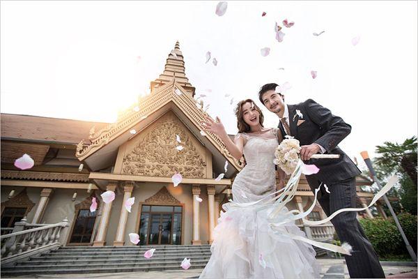 财通社软文:摄影机构在进行婚纱软文创作时要避免2个极端