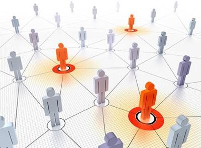 关系营销与交易营销的不同?实施CRM对企业开展关系营销有何意义?