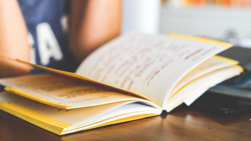 4大写作技巧让你写出让读者欲罢不能的爆文